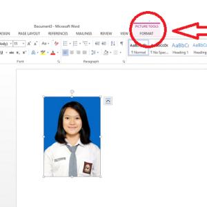 Gambar 1. ganti background foto ms word